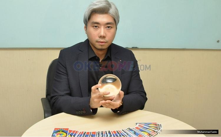 https: img.okezone.com content 2020 05 08 33 2210806 hot-gosip-roy-kiyoshi-ditangkap-hingga-perceraian-okan-kornelius-may-lee-dHWo9YXJpw.jpg