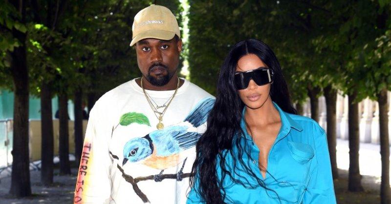 https: img.okezone.com content 2020 05 08 33 2211204 pisah-ranjang-kanye-west-dan-kim-kardashian-semakin-sering-ribut-u62fEbrVDp.jpg