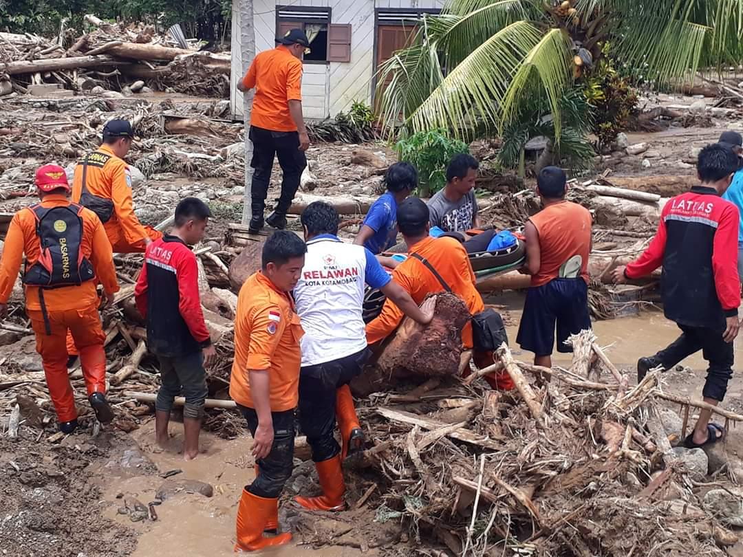 https: img.okezone.com content 2020 05 09 337 2211400 1-221-bencana-menimpa-indonesia-sepanjang-2020-WzAolQqPsB.jpeg