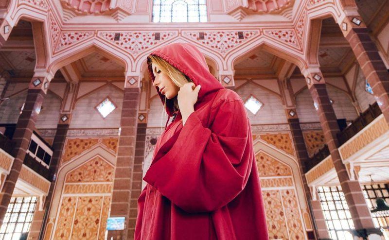 https: img.okezone.com content 2020 05 09 615 2211628 5-masjid-paling-indah-di-asia-kamu-pernah-sholat-di-sana-mpyPQdfyTw.jpg