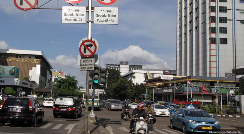 https: img.okezone.com content 2020 05 11 320 2212321 renovasi-gedung-sarinah-akan-jadi-etalase-utama-produk-indonesia-aIt9FtuBNw.jpg