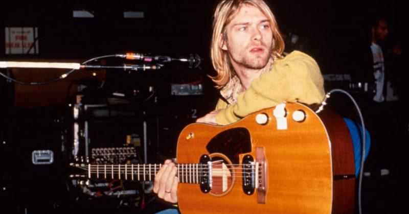 https: img.okezone.com content 2020 05 12 205 2212934 gitar-hingga-pakaian-kurt-cobain-bakal-dilelang-LKVgHuCerH.jpg