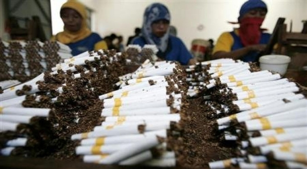 https: img.okezone.com content 2020 05 12 320 2212666 produksi-turun-industri-hasil-tembakau-terpukul-covid-19-306WuPPs0j.jpg