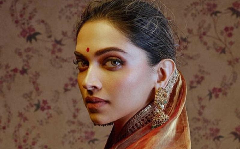 https: img.okezone.com content 2020 05 12 611 2212933 5-tips-perawatan-kecantikan-ala-india-yang-bisa-kamu-coba-FCJXry2PZz.jpg