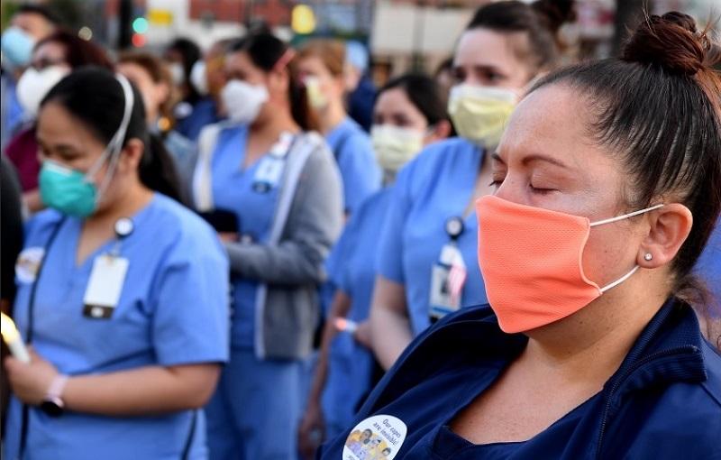https: img.okezone.com content 2020 05 12 612 2212702 kisah-perawat-meninggal-karena-tangani-pasien-covid-19-tanpa-apd-yang-layak-vUxYOjaEfT.jpg