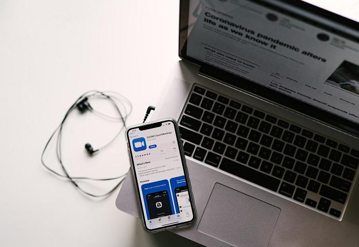https: img.okezone.com content 2020 05 12 92 2212995 tips-cegah-kuota-boros-saat-konferensi-video-vVxnwaqupY.jpg