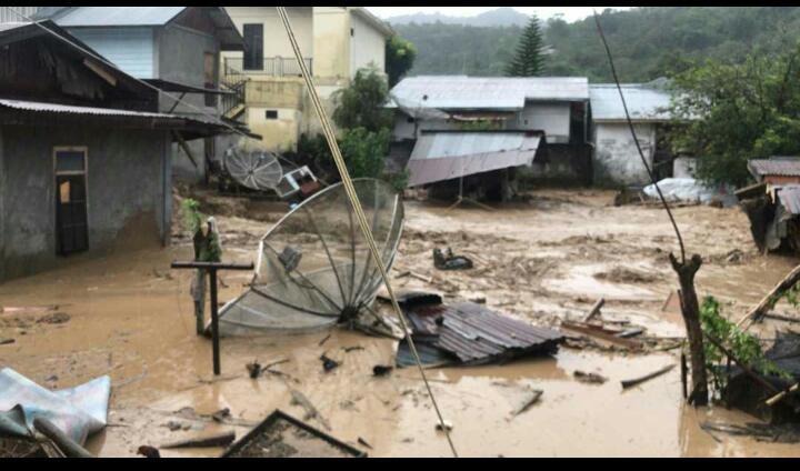 https: img.okezone.com content 2020 05 13 340 2213619 banjir-bandang-terjang-wilayah-aceh-tengah-sejumlah-rumah-hanyut-TqmELIJSY2.jpeg