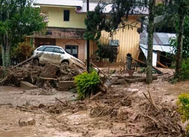 https: img.okezone.com content 2020 05 14 340 2213860 5-fakta-banjir-bandang-aceh-2-bocah-tewas-hingga-ribuan-mengungsi-P4dDg2kFsW.jpg