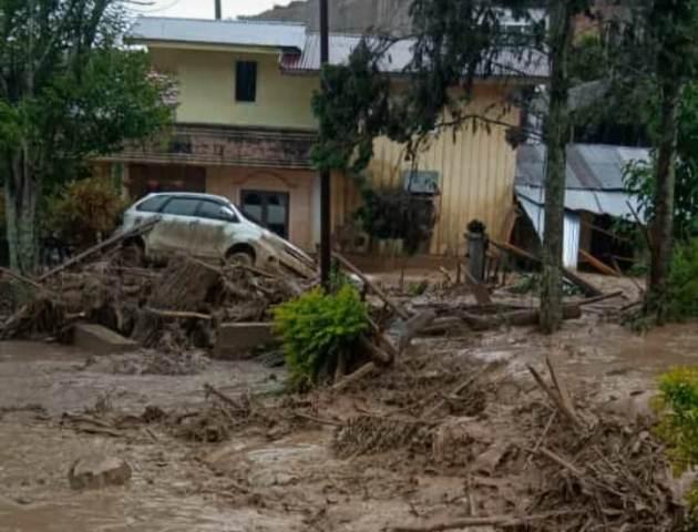 https: img.okezone.com content 2020 05 14 340 2213894 banjir-bandang-di-aceh-tengah-5-orang-terluka-dan-jembatan-penghubung-antar-desa-terputus-HwFPRxyKo1.jpg
