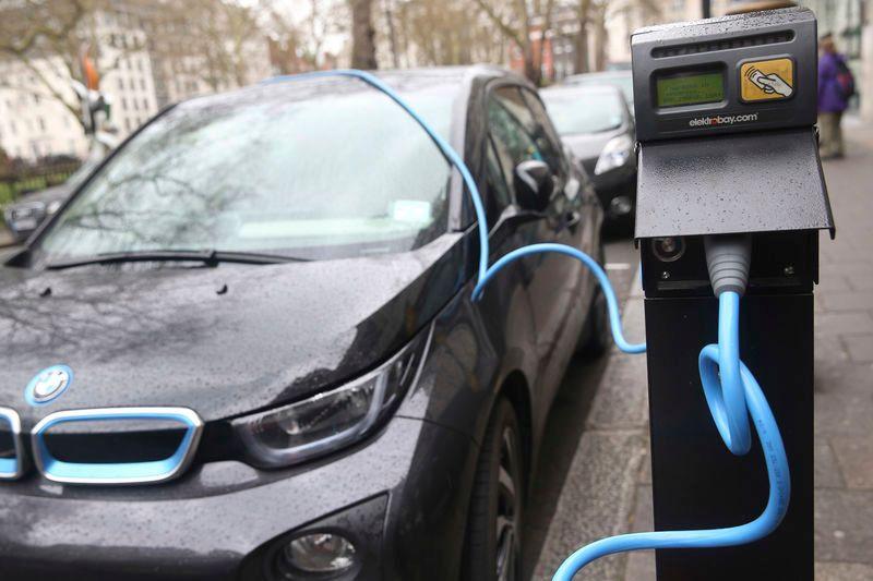https: img.okezone.com content 2020 05 15 52 2214510 kendaraan-listrik-dominasi-pertumbuhan-pasar-di-eropa-GFuCrmEtd8.jpg
