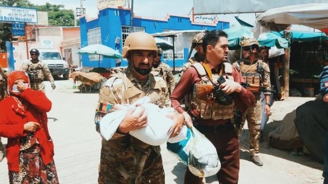 https: img.okezone.com content 2020 05 16 18 2215070 ditembak-2-kali-bayi-ini-selamat-dalam-serangan-ke-rs-bersalin-di-afghanistan-2ySyLdi5Yt.jpg
