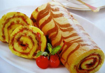 https: img.okezone.com content 2020 05 16 298 2215122 menu-lebaran-begini-cara-membuat-bolu-gulung-pisang-coklat-krim-mayo-dI79uuEDzG.jpg