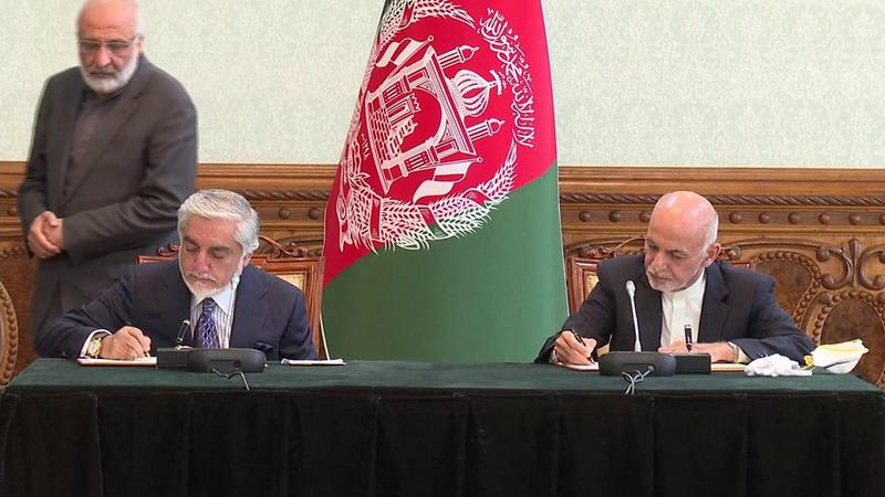 https: img.okezone.com content 2020 05 18 18 2215843 dua-presiden-afghanistan-yang-bersaing-sepakati-perjanjian-pembagian-kekuasaan-Pct0n4QPcW.jpg