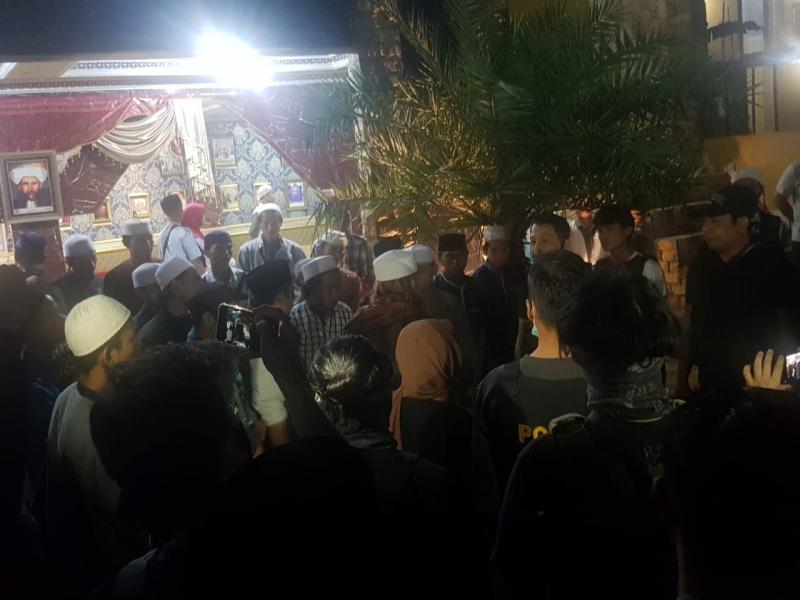 Habib Bahar ke Polisi: Saya Ngerokok Dulu Sebatang ...