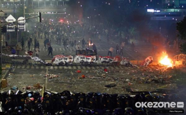 https: img.okezone.com content 2020 05 22 337 2217738 peristiwa-22-mei-kerusuhan-di-depan-bawaslu-terkait-hasil-pilpres-2019-dwiF4zxDEI.jpg
