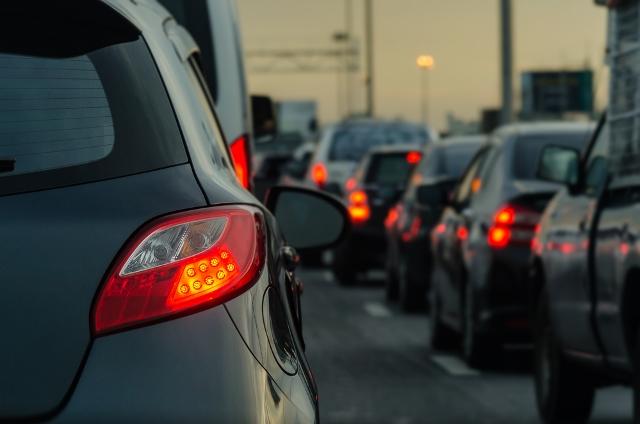 https: img.okezone.com content 2020 05 22 338 2218039 367-ribu-kendaraan-tinggalkan-jakarta-turun-61-dibanding-lebaran-2019-ClVrhKv9W8.jpg