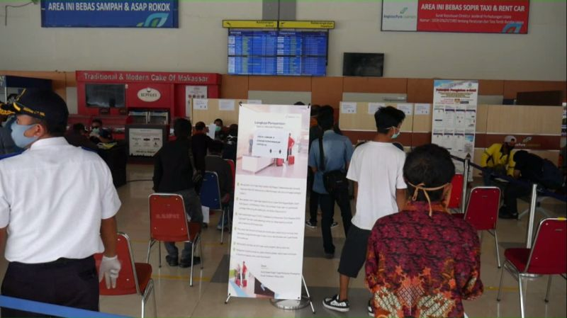 https: img.okezone.com content 2020 05 22 340 2217981 h-2-lebaran-ratusan-penumpang-diterbangkan-dari-bandara-sultan-hasanuddin-makassar-JeY3h2WRQE.jpg