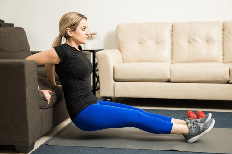 https: img.okezone.com content 2020 05 22 481 2218148 psbb-tak-bisa-ke-gym-manfaatkan-perabotan-rumah-tangga-untuk-olahraga-69GG94Eaeh.jpg