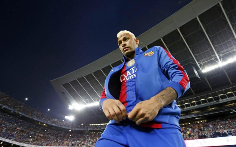 https: img.okezone.com content 2020 05 23 51 2218573 setien-ingin-latih-neymar-di-barcelona-Wv0AccqN0D.jpg