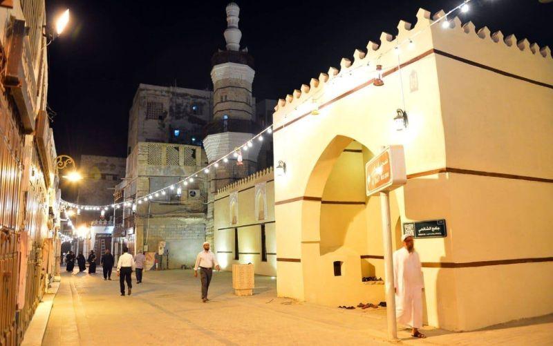 https: img.okezone.com content 2020 05 23 614 2218486 arab-saudi-izinkan-takbiran-tapi-larang-sholat-id-di-masjid-FzRmCprXcy.jpg