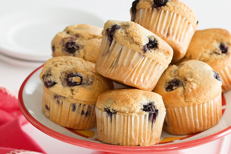https: img.okezone.com content 2020 05 24 298 2218850 muffin-blueberry-bisa-jadi-pertolongan-pertama-cegah-kolesterol-loh-CTNxs5h6A9.jpeg