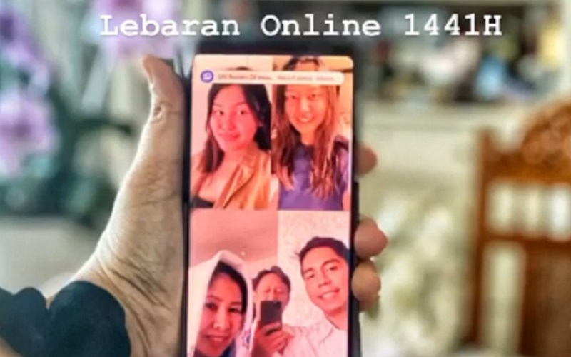 https: img.okezone.com content 2020 05 24 320 2218882 rindu-2-putrinya-wamen-bumn-budi-ini-lebaran-online-pertama-keluarga-kami-Oo1dFweMta.jpg