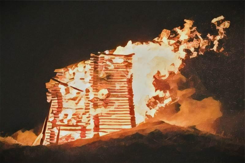 https: img.okezone.com content 2020 05 24 338 2219077 rumah-warga-di-cilincing-jakut-terbakar-nywBprIJbn.jfif
