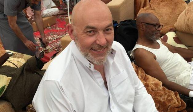 https: img.okezone.com content 2020 05 25 614 2219145 pengalaman-spiritual-rooney-di-padang-arafah-masuk-islam-usai-mendengar-adzan-3TlZIhuEyt.JPG