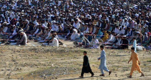 https: img.okezone.com content 2020 05 25 614 2219421 alhamdulillah-idul-fitri-di-afghanistan-berlangsung-damai-WOAogcolBu.jpg