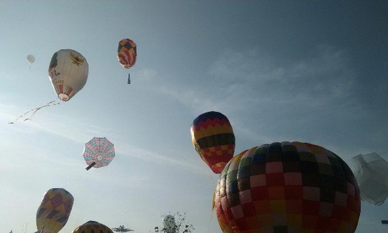 https: img.okezone.com content 2020 05 26 512 2219567 berbahaya-bagi-penerbangan-balon-udara-bisa-terbang-40-000-kaki-rR5EmbKEK0.jpg