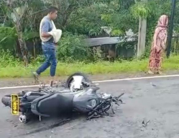 https: img.okezone.com content 2020 05 26 609 2219832 tabrakan-dengan-motor-polisi-pemotor-tewas-dan-ibunya-terluka-WaBLcS1a8b.jpg