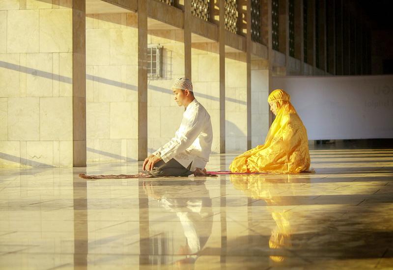 https: img.okezone.com content 2020 05 26 616 2219694 4-cara-mempertahankan-semangat-ibadah-usai-ramadhan-10nCD0ARa4.jpg