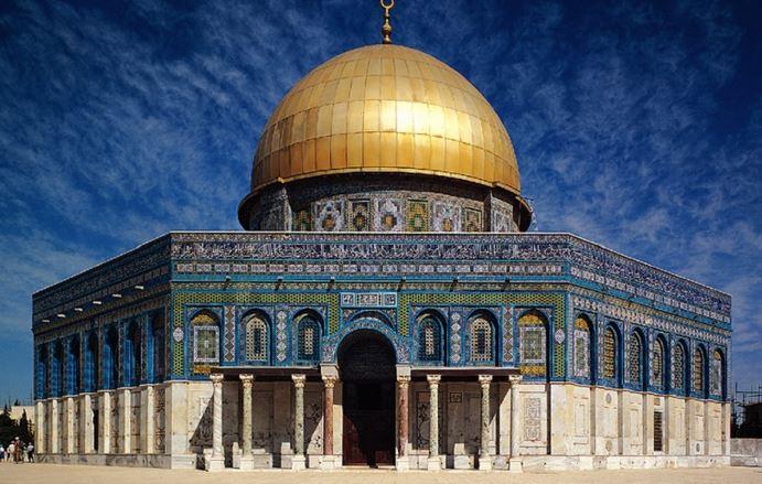 https: img.okezone.com content 2020 05 27 614 2220525 masjid-al-aqsa-jadi-kiblat-pertama-umat-islam-sebelum-ka-bah-bqzCoqP9f8.JPG