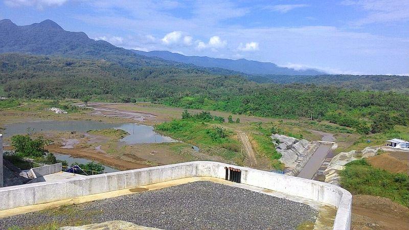 https: img.okezone.com content 2020 05 28 320 2220921 bendungan-meninting-tambah-pasokan-air-irigasi-di-pulau-lombok-U76LoGPtL5.jpg