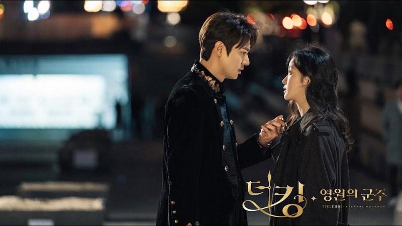 https: img.okezone.com content 2020 05 28 598 2221166 episode-13-the-king-eternal-monarch-batal-tayang-fans-kecewa-0QhvUKNiqV.jpg
