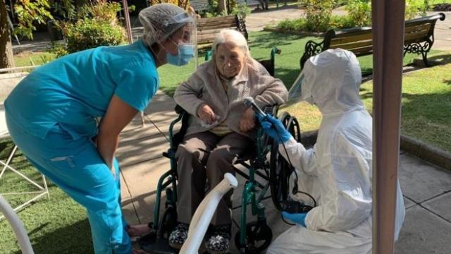 https: img.okezone.com content 2020 05 29 18 2221389 wanita-111-tahun-di-chile-sembuh-dari-virus-corona-u7Cy6fef3p.jpg