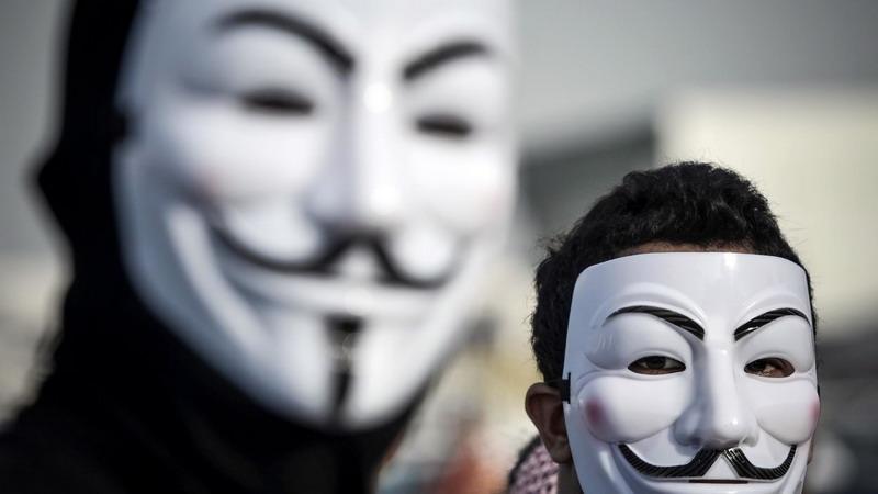 https: img.okezone.com content 2020 06 01 18 2222619 kelompok-hacker-anonymous-nyatakan-perang-terhadap-kepolisian-minneapolis-atas-kematian-george-floyd-QJqWaS50rB.jpg