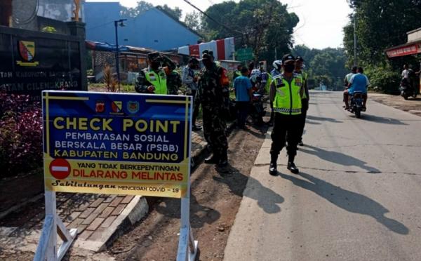 Psbb Bandung Diperpanjang Tapi Toko Sudah Boleh Buka Okezone News