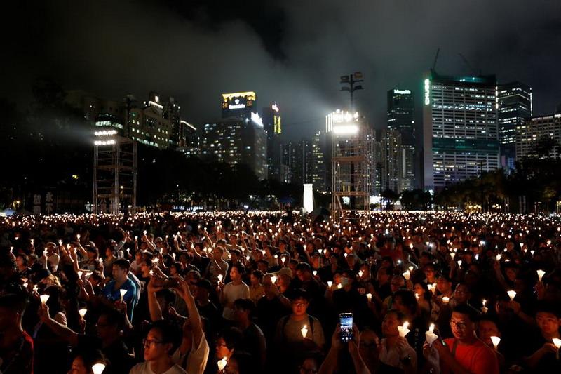 https: img.okezone.com content 2020 06 02 18 2223176 pertama-kali-dalam-30-tahun-peringatan-tragedi-tiananmen-dilarang-digelar-di-hong-kong-avRUsr98kd.jpg