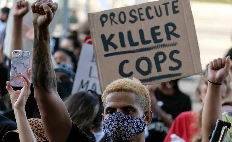 https: img.okezone.com content 2020 06 02 320 2223100 kerusuhan-di-amerika-walmart-dan-amazon-terus-pantau-situasi-3fxFYPlgRP.jpg