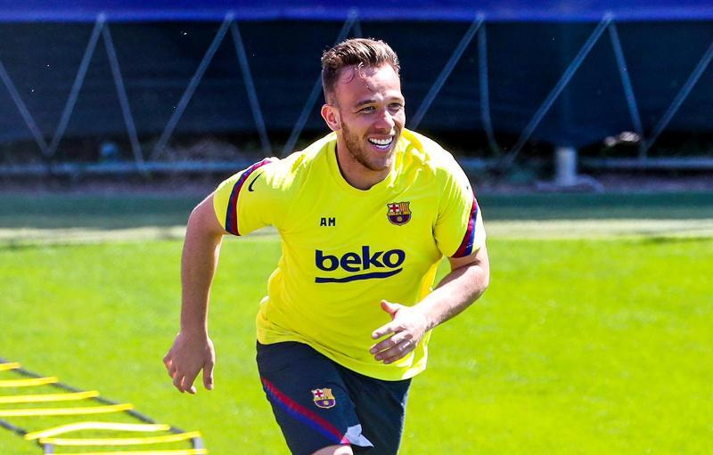 Masa Depan Arthur Melo Di Barcelona Bisa Berubah Kapan Pun Okezone Bola