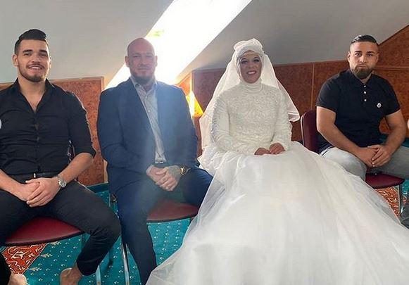 https: img.okezone.com content 2020 06 02 614 2223262 pasangan-mualaf-tak-perlu-menikah-ulang-secara-islam-unV2hDNCzf.JPG