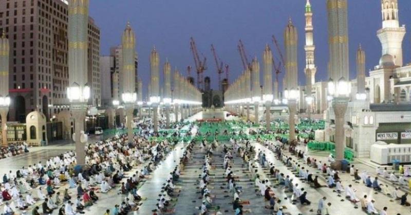 https: img.okezone.com content 2020 06 03 18 2223783 masjid-nabawi-dibuka-kembali-93-774-orang-sholat-pada-hari-pertama-EioVHXbDja.jpeg