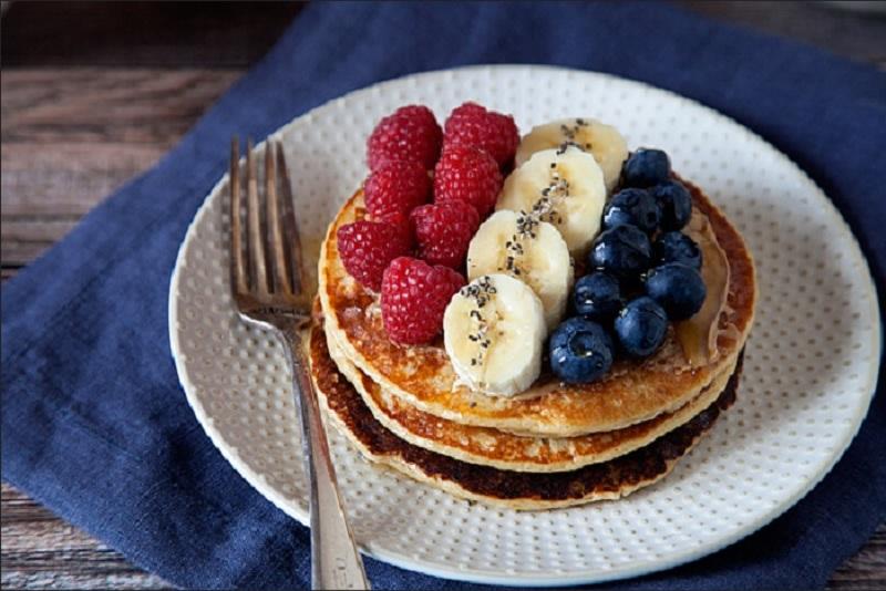 https: img.okezone.com content 2020 06 03 298 2223591 resep-sarapan-lezat-pancake-keju-isi-buah-yummy-JPN9PlI5Xa.jpg