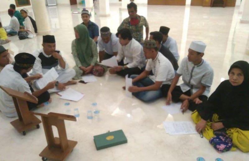 https: img.okezone.com content 2020 06 04 610 2224267 pelaku-pengeroyokan-marbot-masjid-di-palembang-akhirnya-berdamai-v4ungqndA0.jpg