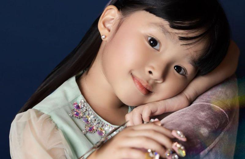 https: img.okezone.com content 2020 06 05 196 2224952 gemasnya-5-pose-thalia-putri-onsu-niru-sarwendah-saat-difoto-LZSH7c3QbN.jpg
