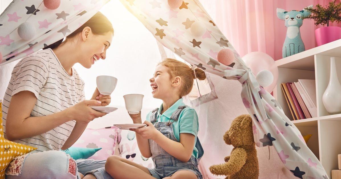https: img.okezone.com content 2020 06 05 196 2225327 3-cara-membentuk-kepribadian-anak-sejak-usia-dini-AqeNJVs1a4.jpg