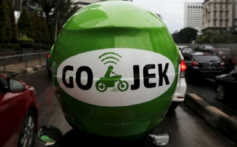https: img.okezone.com content 2020 06 05 320 2224948 driver-goride-dan-gocar-wajib-pakai-masker-dan-hand-sanitizer-UY4Kd2Q9n9.jpg