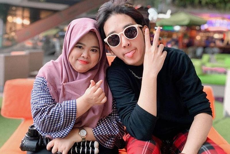 https: img.okezone.com content 2020 06 05 33 2225064 rio-ramadhan-bongkar-perilaku-kekeyi-usai-keke-bukan-boneka-tuai-kontroversi-RQTPynlmZj.jpg