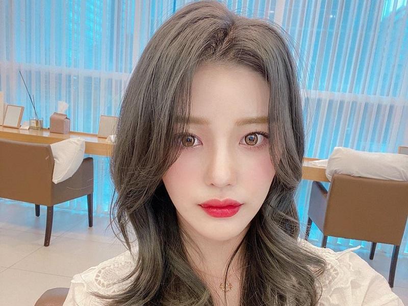 https: img.okezone.com content 2020 06 05 611 2225287 pesona-go-yoo-jin-mantan-trainee-produce-48-yang-nyerah-jadi-idol-k-pop-aVKeXifAGX.jpg